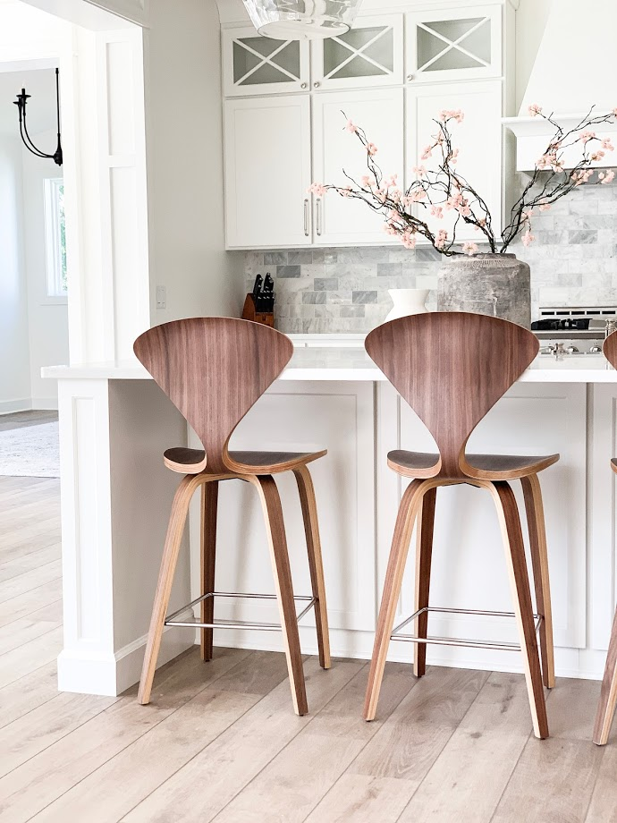 wood counter stools, kitchen stools, counter stools, greenery, white kitchen